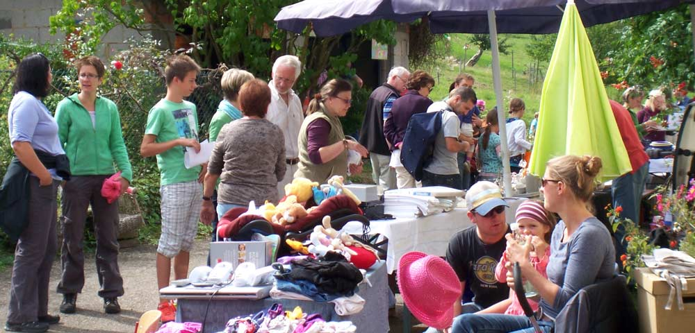 Bild vom Kochergarten Flohmarkt 2014 auf dem Koiserhof